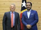 Ministro da Presidência do Conselho de Ministros reúne com Embaixador do Brasil