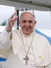 250px-Pope_Francis_Korea_Haemi_Castle_19